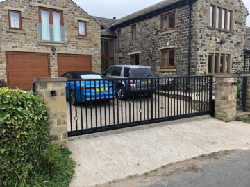 Automatic gate installer